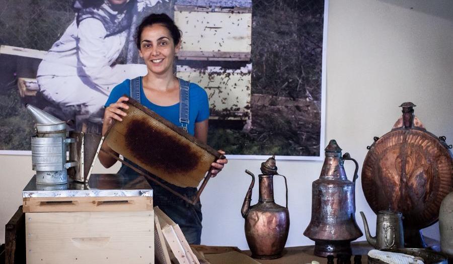 Portrait: Honigfarmerin Klio